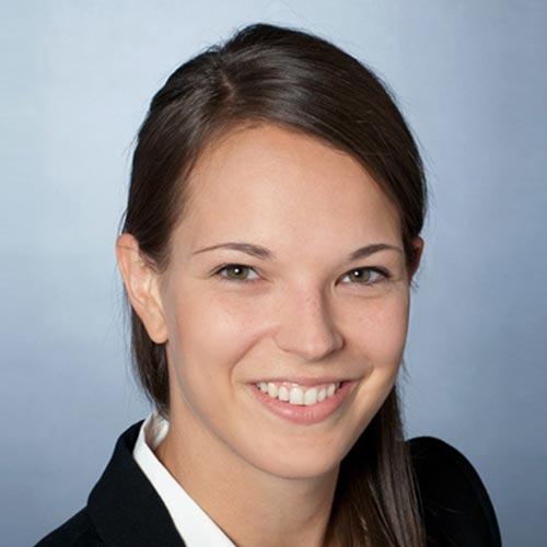Meike Wenzlaf: Kinderzahnärztin bei den Zahnärzten im Wengentor aus Ulm und Mitglied im Fachbeirat von Information Mundgesundheit