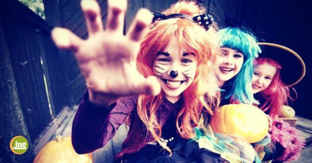 halloween kids lachen mit gesunden zähnen