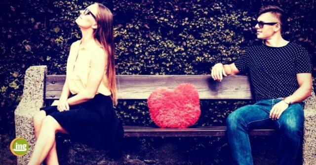 Liebespaar bei dem die frau sich abwendet: Information mundegsundheit berichtet über Mundgerunch zum Valentinstag 2018
