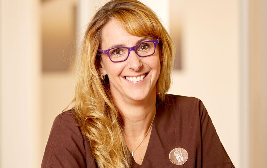 Ester Hoekstra Dentalhygienikerin und Präventionsmanagement (B. Sc.), Zahnarztpraxis Lennard Bertram, Leer