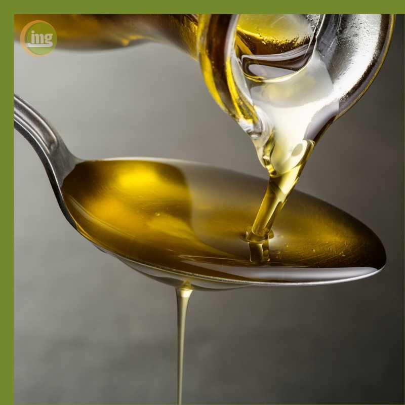 Öl ziehen ist ein beliebtes Hausmittel bei Zahnschmerzen.