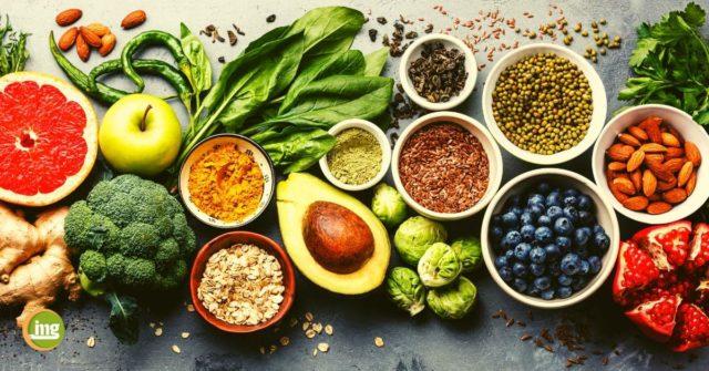 Frische Lebensmittel für eine gesunde Ernährung. Auch in der Zahnarztpraxis wichtig. Gesund beginnt im Mund für starke Abwehrkräfte.